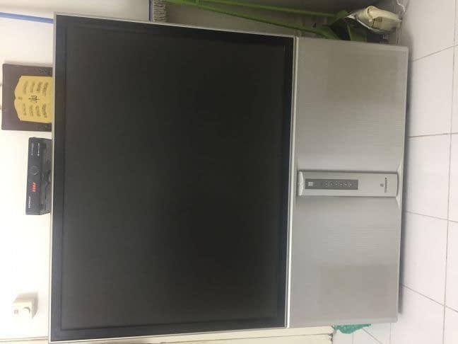 Hitachi TV ultravision 52 inch Good
