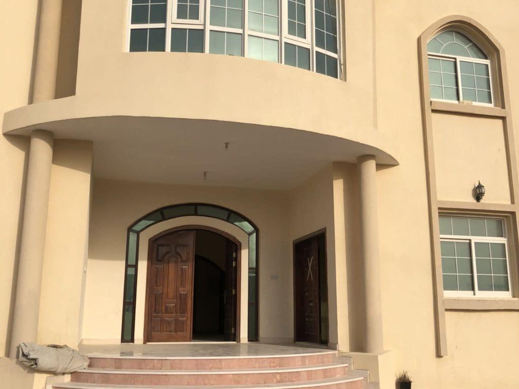للإيجار غرفة وصالة في الشامخة في أبوظبي