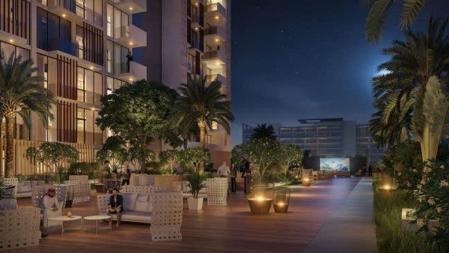 استوديو للاستثمار في دبي أمام ندا الشبا
