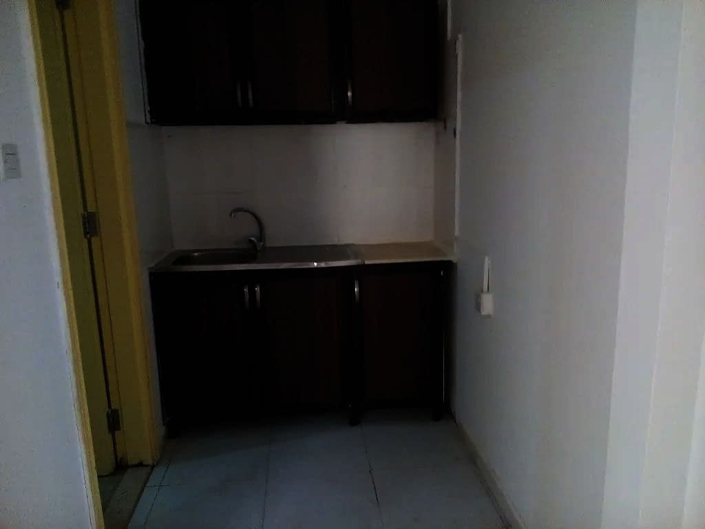 شقة غرفة وصالة للإيجار في مدينة خليفة أ
