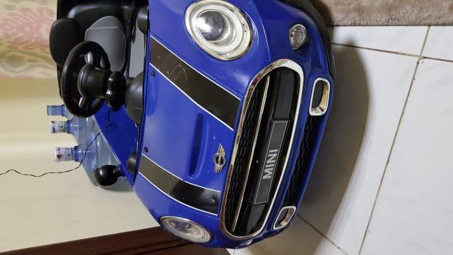 للبيع سيارة أطفال حجم كبير شحن كهرباء