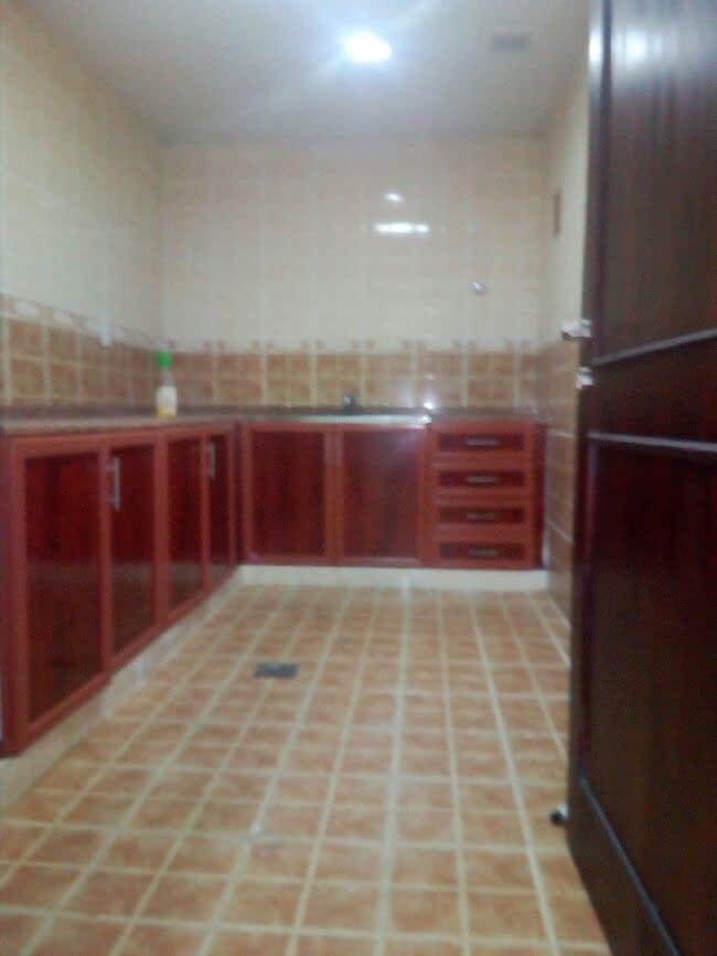 شقة غرفة وصالة مساحة كبيره جدا تشطيب