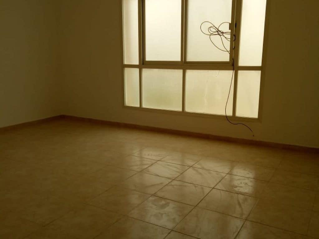 للإيجار بمدينة الشامخة 3 غرف وصالة