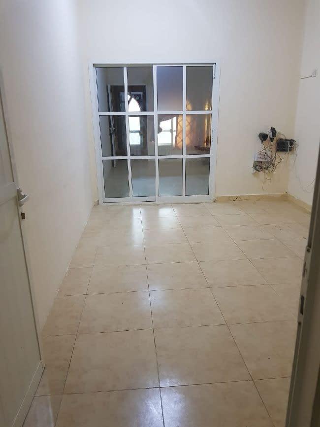 شقة غرفة وصالة تمشي غرفتين وصالة في