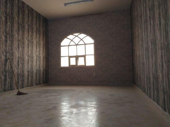شقة غرفتين وصالة مساحة كبيرة جدا تشطيب