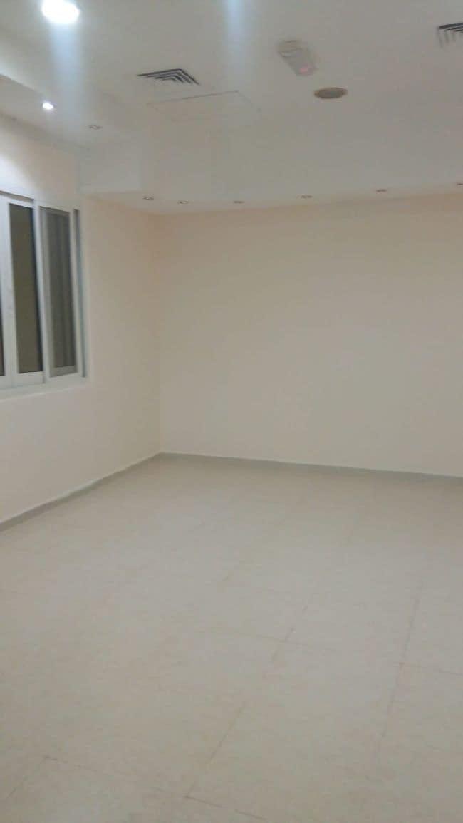 شقة غرفة وصالة مدخل خاص مساحة كبيرة جدا