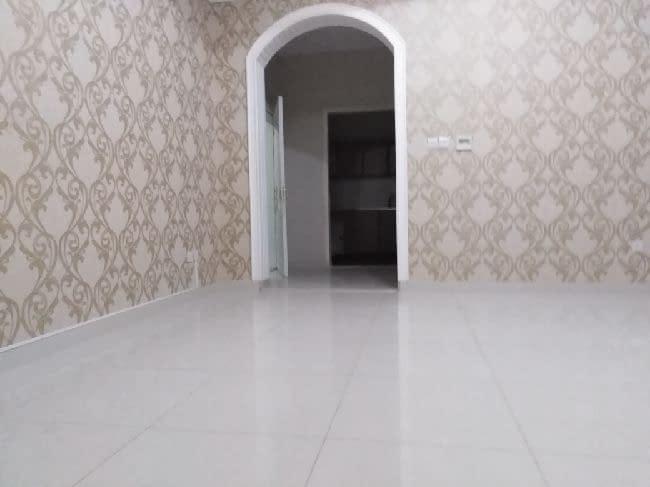 غرفة وصالة مساحة كبيرة جدا تشطيب سوبر