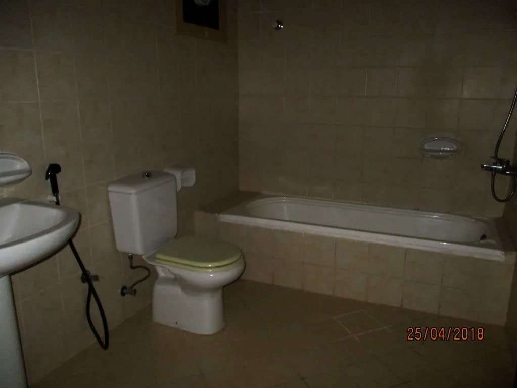 غرفة وصالة - 2 حمام - مطبخ قي قرية