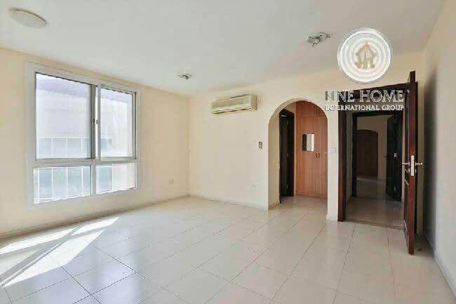 شقة لإيجار في مدينة خليفة أ غرفتين صالة