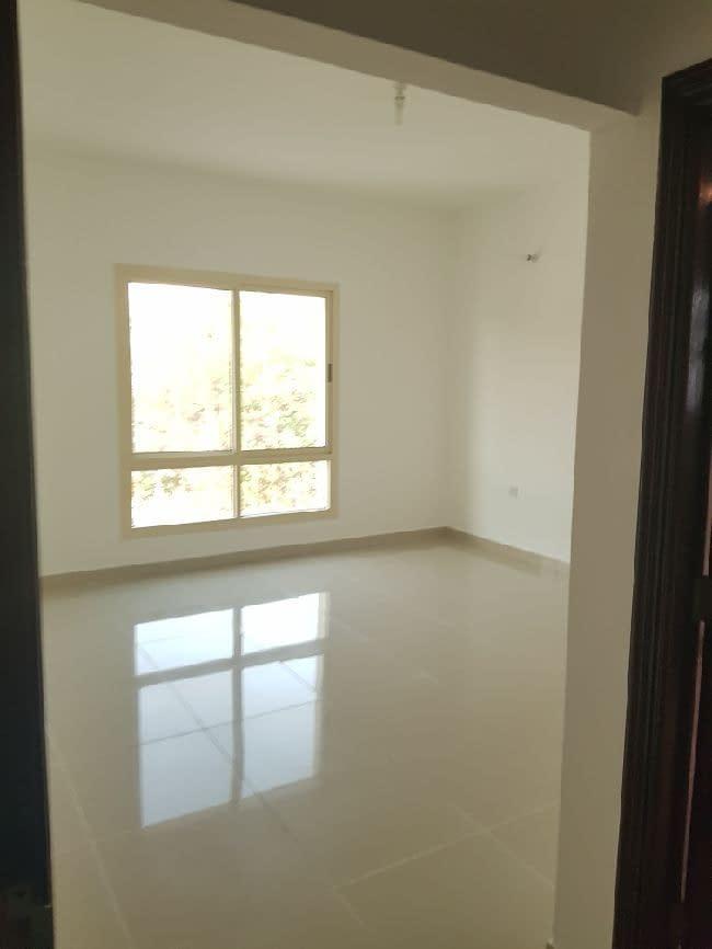 شقة في أبوظبي - منطقة البطين. 3 غرف 3