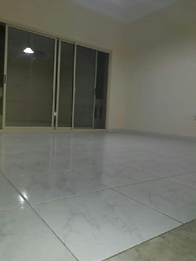 للإيجار شقة غرفة وصالة في مدينة أبوظبي