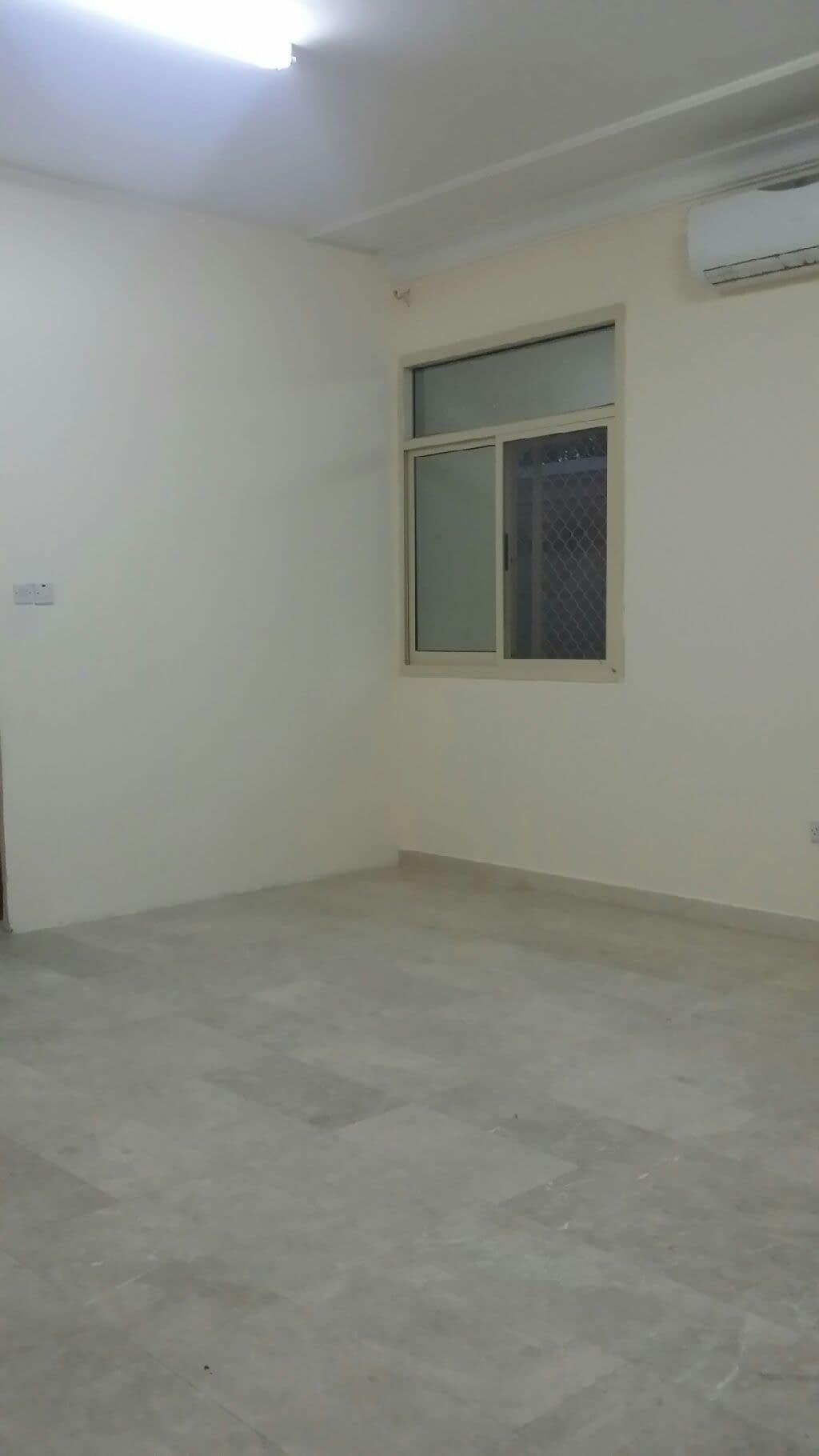 للإيجار في المشرف أبوظبي غرفة وصالة