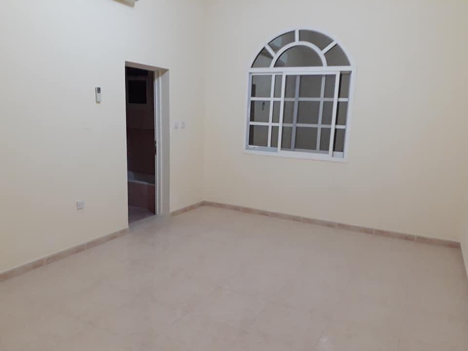 للإيجار في الشامخة شقة داخل بناية دور