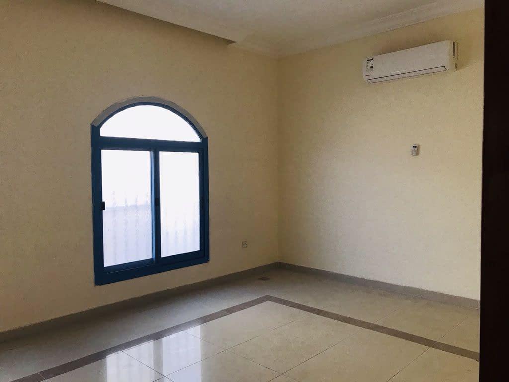 للإيجار في مدينة خليفة أ شقة غرفة وصالة