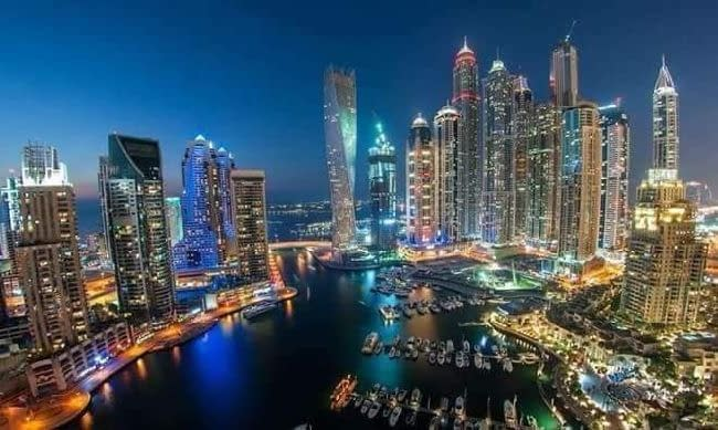تخليص المعاملات ومكاتب للإيجار في إمارة