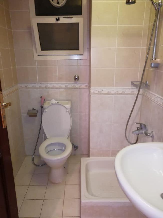 شقة غرفة وصالة ممتازة رووف للإيجار في