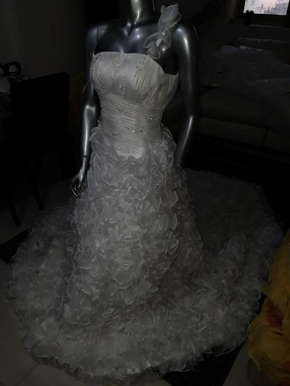 فستان زفاف للبيع جديد لم يستعمل