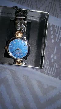 0c77b5fab970d ساعات للبيع في الإمارات